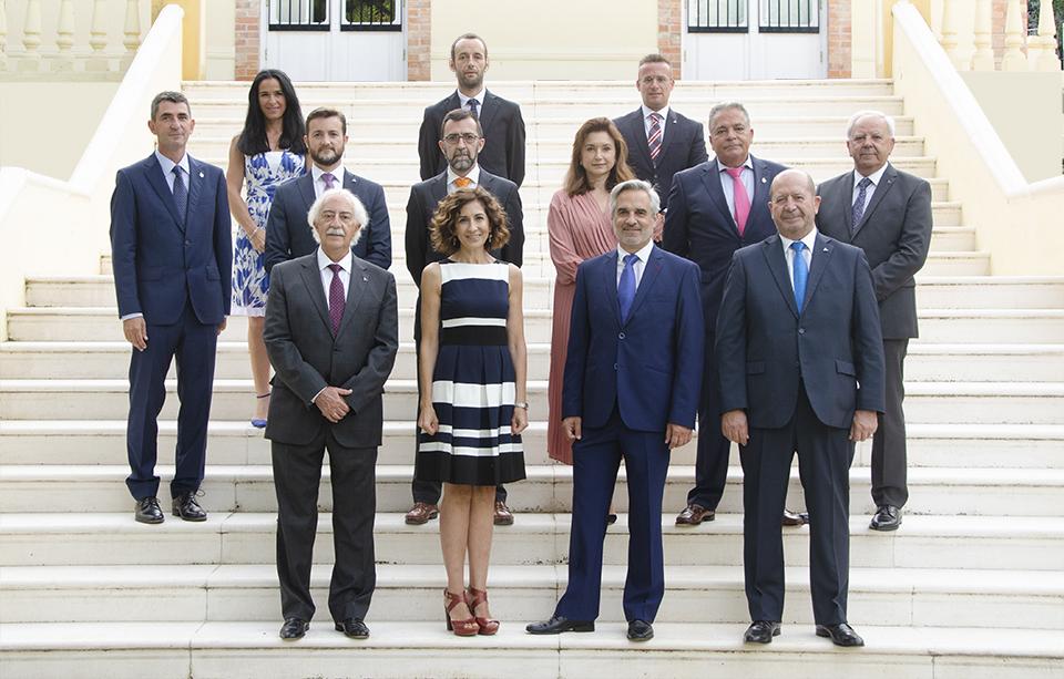 Junta de Gobierno y asesores (I)